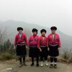 Frauen der örtlichen Zhuang-Minderheit mit extrem langen Haaren