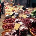 Leckere Essenstände auf einem Markt in Xian