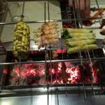 Leckere Spieße im koreanische Grill-Restaurant