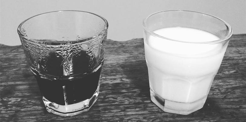 Kaffee und Kokosmilch